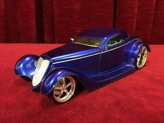 1 24 1934 Ford Custom Coupe Jada Diecast