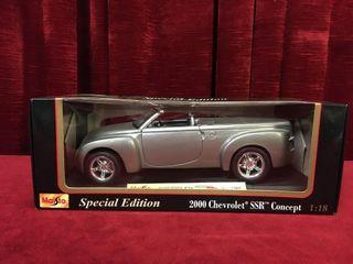 1 18 2000 Chevrolet SSR Concept Car
