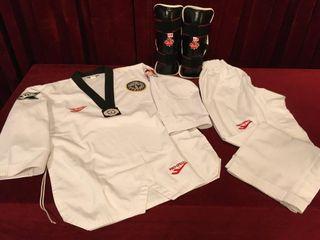 Taekwondo Approved Uniform w  Shin Pads Size 3