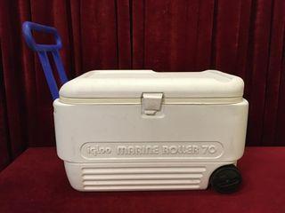 Igloo Marine Roller 70 Cooler   28  x 15  x 17