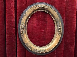 Antique Oval Wood   Plaster Frame   12  x 14