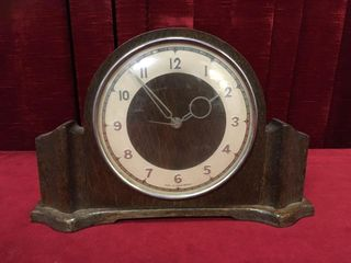 Genelax Great Britain Electric Mantel Clock   Note