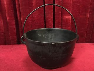 Vintage Cast Iron Pot  10 dia x 6 5