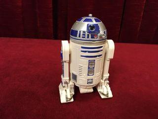 4 5  R2D2 Toy Model