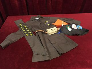 Girl Guides Uniform   Size Unknown   Note