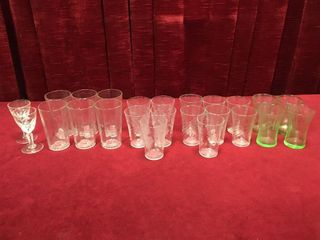 24 Small Vintage Glasses   5 Patterns