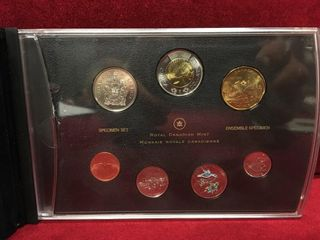 2017 Canada Mint Coin Set w  Case