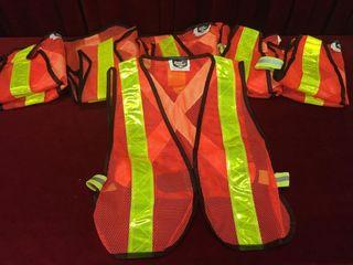 6 Safety Vests Size l   5 Unworn