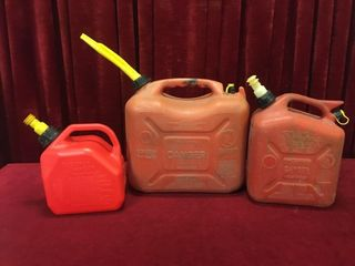 3 Gas Cans 5l  2 Gal   5 Gal   No Stoppers