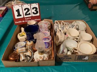 Assorted Coffee Cups   Bicentennial Items