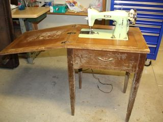 Riccar Sewing Machine and Table