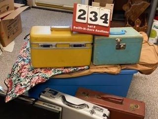 lot of luggage   Briefcases