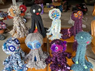 lot of Yarn Octopuses w Stands