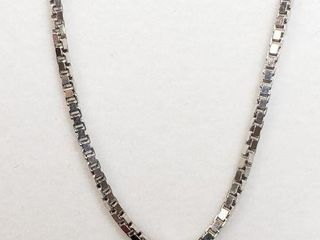 SIlVER CHAIN  lENGTH 28INCHES