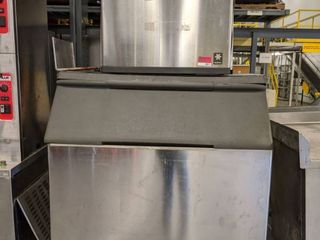 Manitowoc Water Cooled Ice Machine Model QD0803W