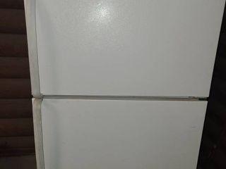 Refrigerator  WHIRlPOOl Upright Freezer on top  WORKS  63  tall x 28  wide x 32  deep