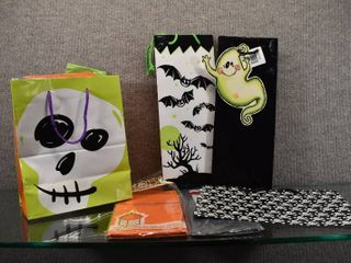 Halloween Gift Bag   See pics for additional items
