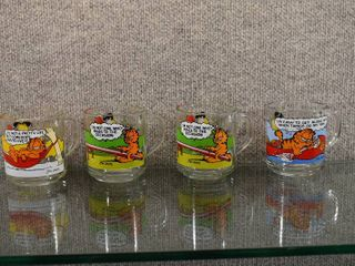 Vintage Set of 4 McDonalds Garfield Mugs 1978   Anchor Hocking   Clear with scenes from Garfield    3 1 2