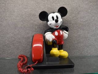 Vintage Disney Mickey Mouse Corded Telephone   Made in 1990   AT T