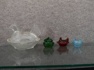 Vintage lot of 4 Hen   Bunny  on Nests Candy Dishes   Indiana Glass   Clear Hen   5 1 4  Tall x 7