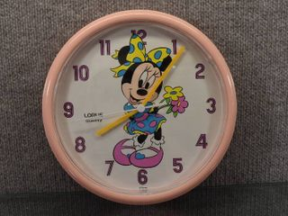Vintage lorus Battery Minnie Mouse Wall Clock   11  Diameter