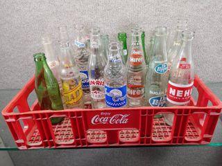 Vintage lot of 19 Coca Cola Crate w  Vintage Bottles   Pepsi  Coke 7UP   More