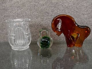 Vintage lot of 3 Art Glass Bull  Norleans Glass Chick   Clear Cut Vase
