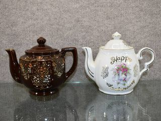 Vintage lot of 2 Teapot   Happy Anniversary Musical Teapot Works    6    6 1 2  Tall