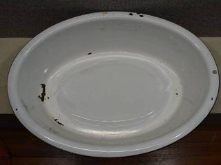 White Enamel Metal Tub   25  W x 18 5  l x 7