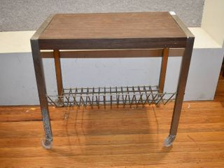 Vintage Wood and Wire TV Cart   19  T x 21  W x 12 5  l