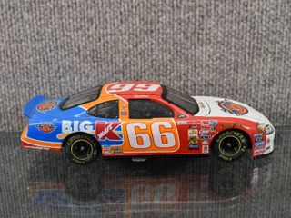 Darrell Waltrip Diecast NASCAR Victory Tour 2000  66 Kmart Car   Action   1 24 Scale