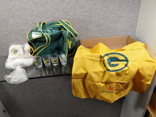 lot of Green Bay Packers Socks  Cooler  Bandanna  Shot Glasses   Game Day   Sock size 10 13