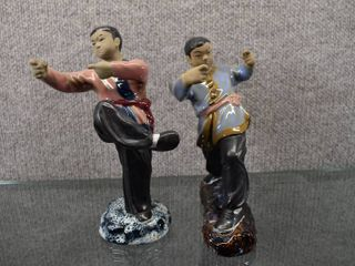 Vintage lot of 2 Karate Fighters Hand Painted   Made In China   7 1 2  Tall