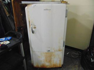 Vintage General Electric Refrigerator  good working condition