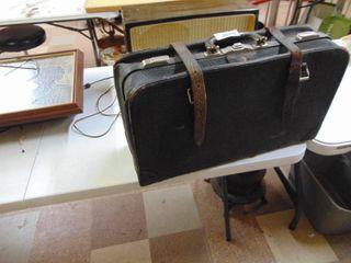 Vintage leather travel bag
