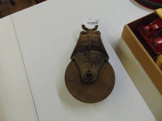 6  wooden pulley