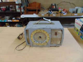 Zenith Radio   For Parts or Repair