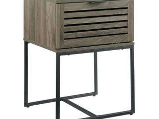 Strick   Bolton Hilla 18  Slat Door Side Table  Retail 112 49