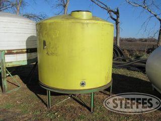 1 200 gal tank 0 JPG