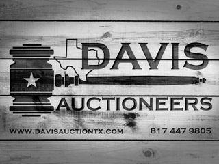Storage Unit Auction -- U-Haul DFW 859