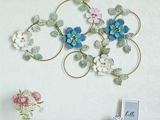 Kamea Metal Flower Wall Decor   27 H x 40 5 W x 1 5 D  Retail 76 48