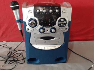 Memorex Karaoke System with Cassette Player and Recorder Fully Functioning
