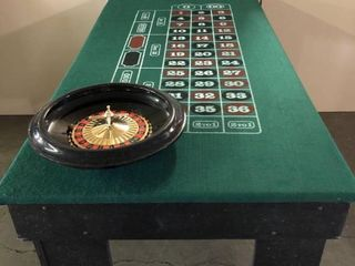 Custom Built Casino Style Portable Roulette Table w  De luxe 16  Roulette Wheel and Ball