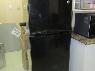 GE Refrigerator Model GTR 12BAXABB