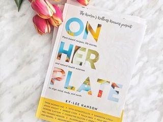IJON HER PlATEIJ A BOOK WRITTEN BY KY lEE HANSON