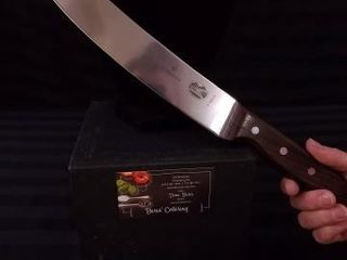 VICTORINOX 10  CURVED CARVING CHEF S KNIFE