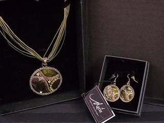 GREEN AND BRONZE NECKlACE AND EARRING SET BY MARIE