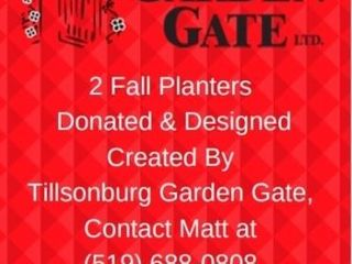 2 FAll PlANTERS  AVAIlABlE FOR PICK UP IN FAll