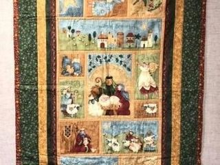 CHRISTMAS PANEl QUIlT 51  lONG X 34 5  WIDE