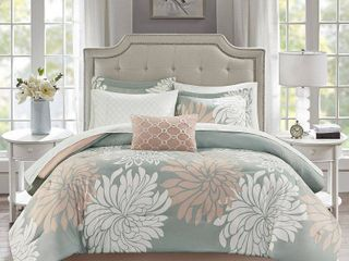 Madison Park Essentials Caldwell Complete Comforter and Cotton Sheet Set  Retail 118 99